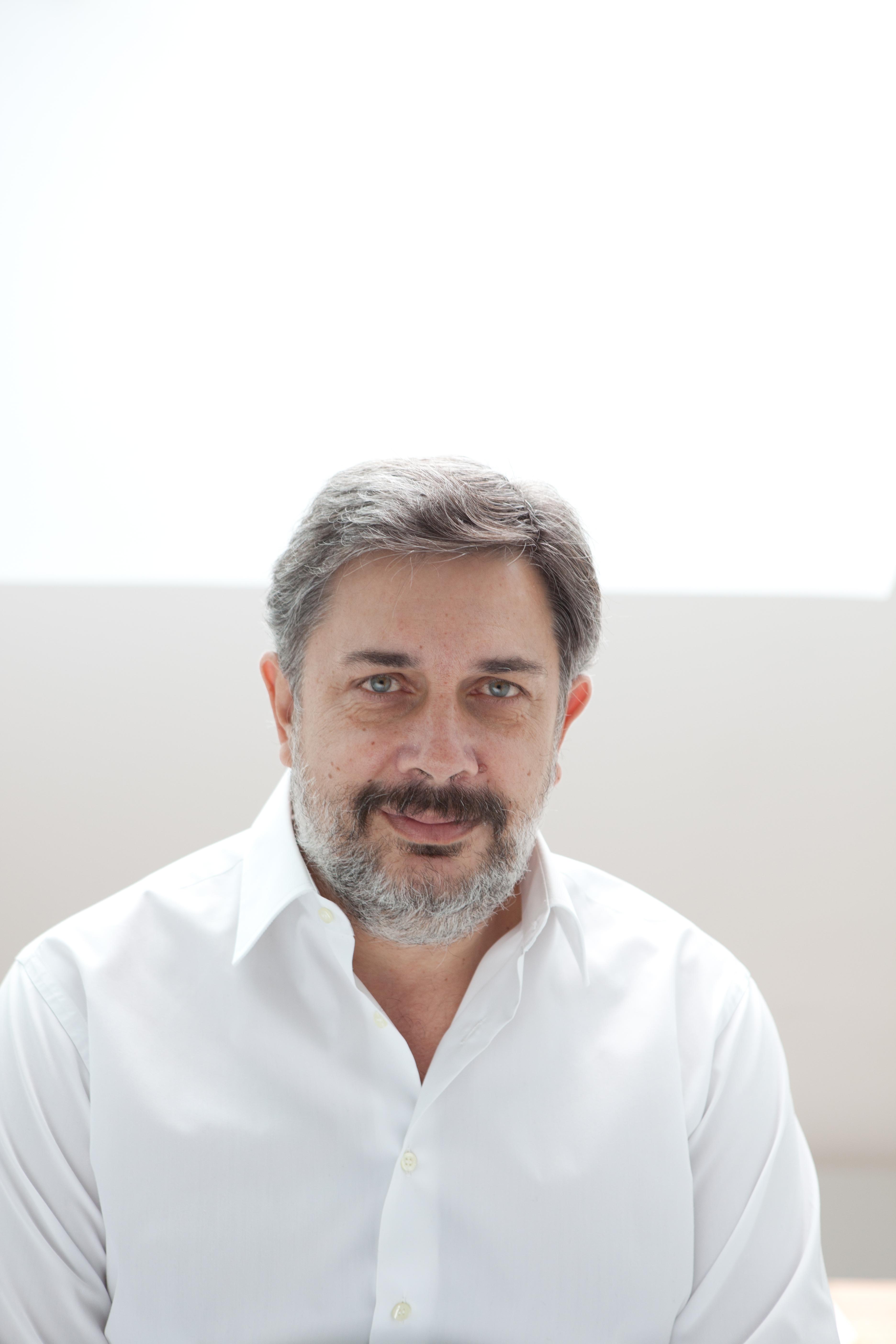 Curriculum Vitae de Daniel Sotelsek | Daniel Sotelsek